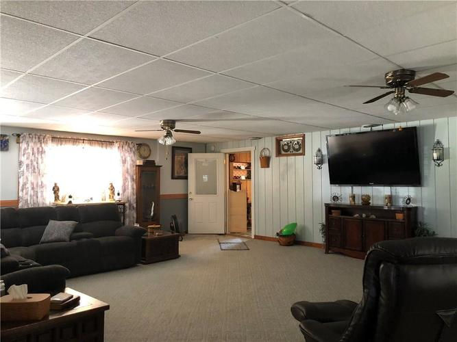 8941 E County Road 400 N Greensburg, IN 47240 | MLS 21605403 | photo 13