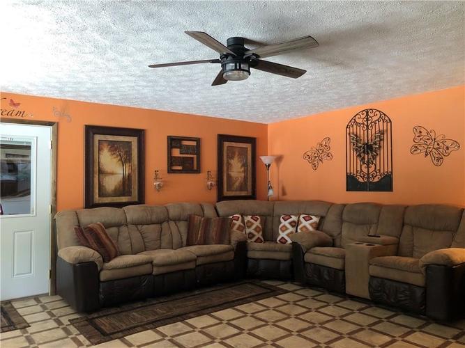 8941 E County Road 400 N Greensburg, IN 47240 | MLS 21605403 | photo 15