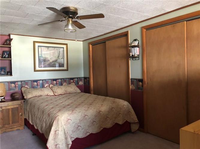 8941 E County Road 400 N Greensburg, IN 47240 | MLS 21605403 | photo 18