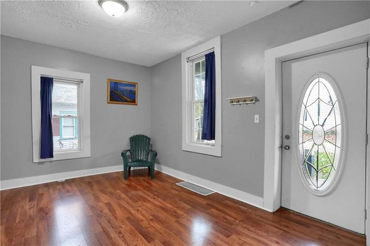297 Young Street Franklin, IN 46131 | MLS 21605439 | photo 2