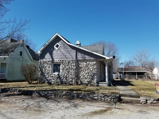 209 S Center Street Frankton, IN 46044 | MLS 21605457