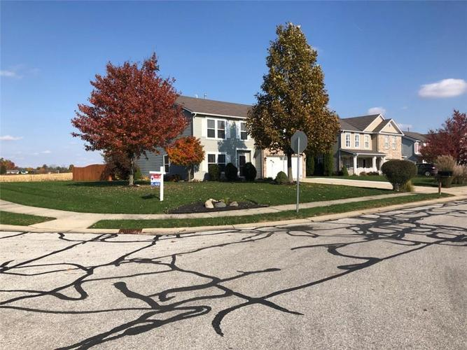 1064  King Maple Drive Greenfield, IN 46140 | MLS 21605478
