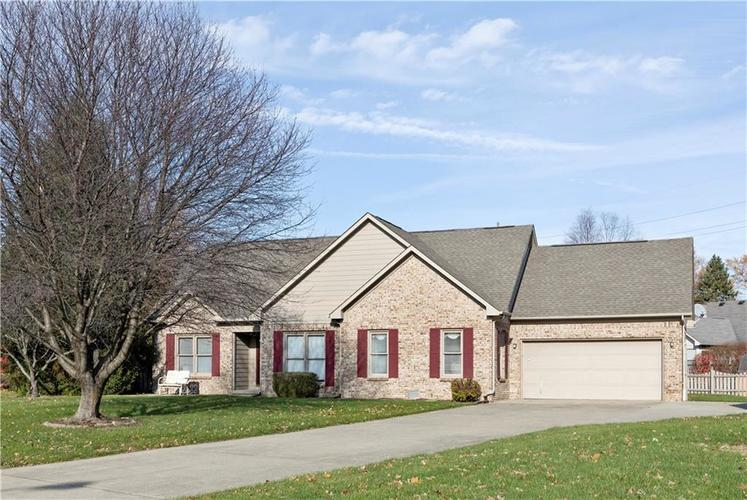 1069  REDWOOD Drive Brownsburg, IN 46112 | MLS 21605555