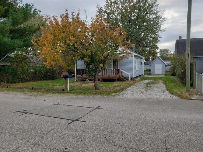 1039 E YORK Street Martinsville, IN 46151 | MLS 21605636