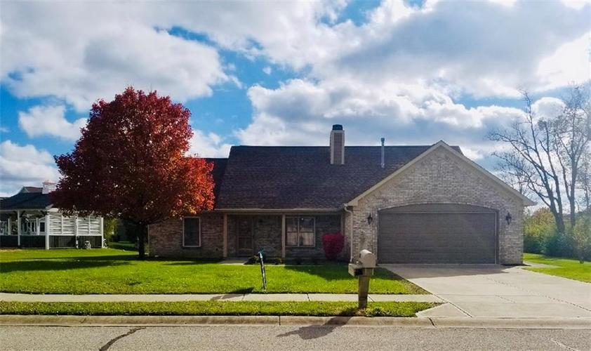 1555 N Manchester Drive Greenfield, IN 46140 | MLS 21606032