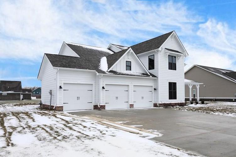 4559 W Meadow Lake Drive New Palestine, IN 46163 317-313-4448