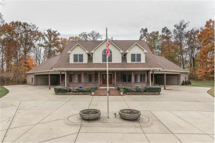 9035 Indian Creek Road S Indianapolis, IN 46259 | MLS 21606367 | photo 1