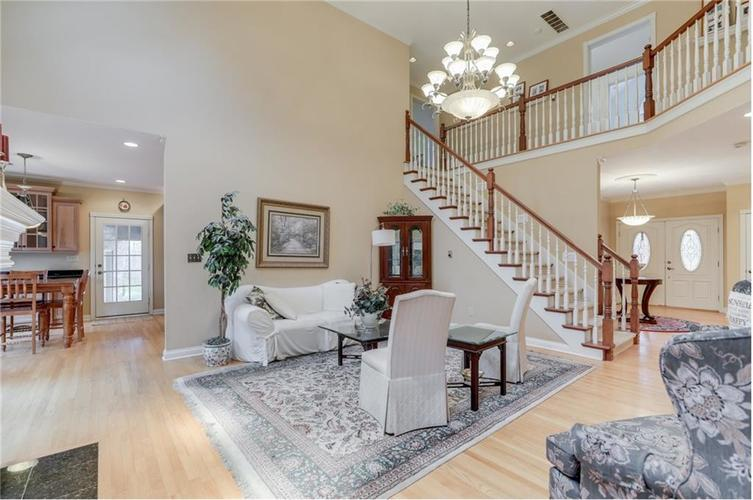 9035 Indian Creek Road S Indianapolis, IN 46259 | MLS 21606367 | photo 10