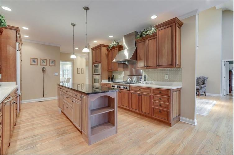 9035 Indian Creek Road S Indianapolis, IN 46259 | MLS 21606367 | photo 13