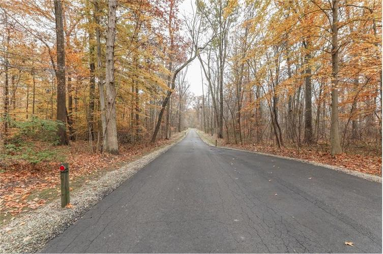 9035 Indian Creek Road S Indianapolis, IN 46259 | MLS 21606367 | photo 2