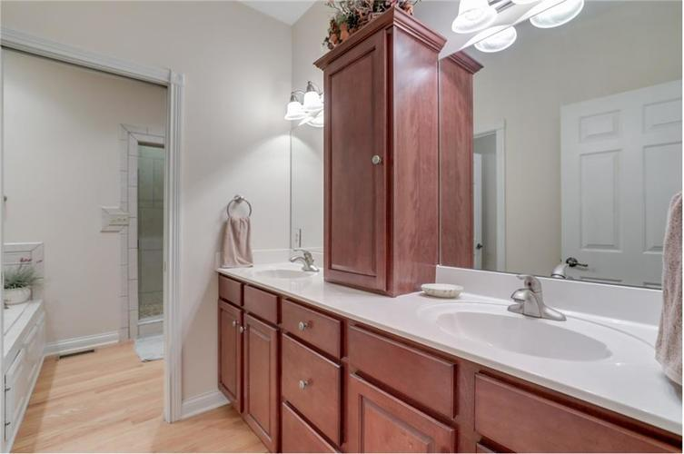 9035 Indian Creek Road S Indianapolis, IN 46259 | MLS 21606367 | photo 21