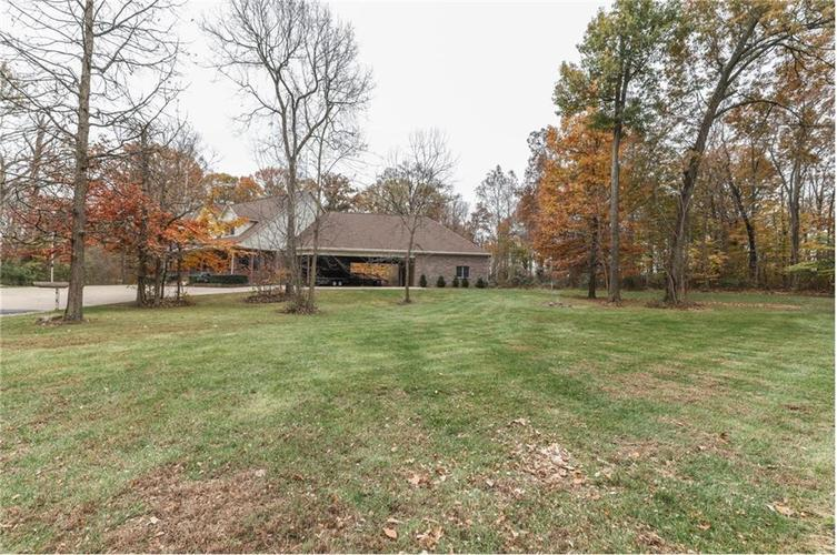 9035 Indian Creek Road S Indianapolis, IN 46259 | MLS 21606367 | photo 4