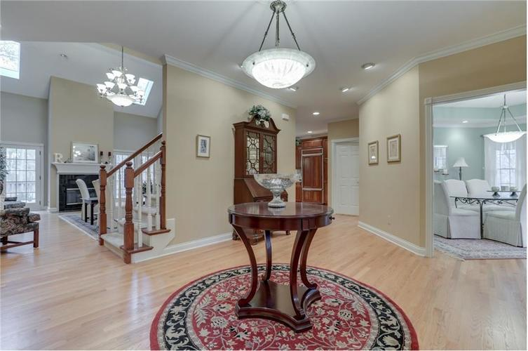 9035 Indian Creek Road S Indianapolis, IN 46259 | MLS 21606367 | photo 7