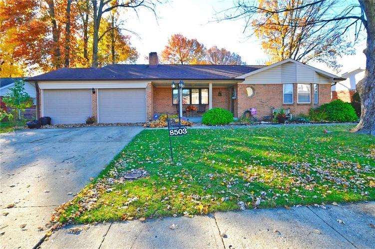 8503 E Skyway Drive Indianapolis IN 46219 | MLS 21606596 | photo 1