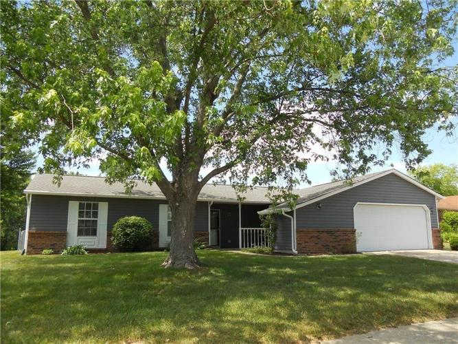 7744  Camberwood Drive Indianapolis, IN 46268 | MLS 21607002
