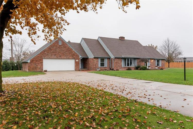 103 W Cicero Heights Drive Tipton, IN 46072 | MLS 21607121