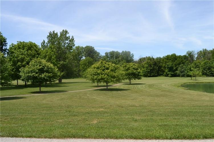 12 Lost Run Trail Zionsville, IN 46077 | MLS 21607218 | photo 10