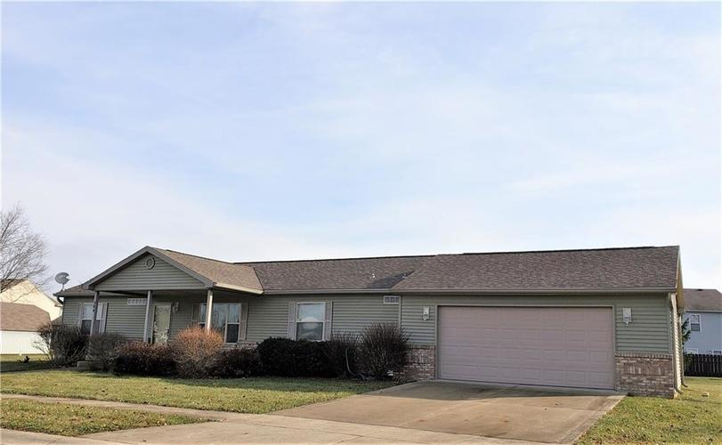 706 Flora Drive Shelbyville IN 46176   MLS 21607256   photo 1