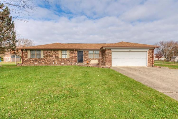 7924  Cedar Drive Avon, IN 46123 | MLS 21607318