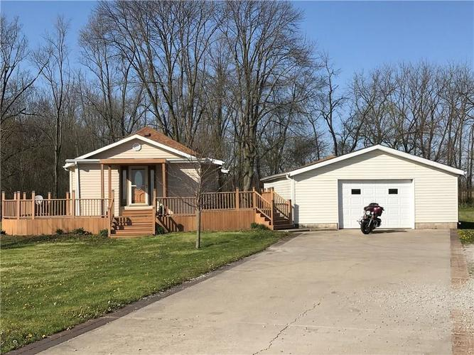 9081 N US Highway 52  Colfax, IN 46035 | MLS 21607527