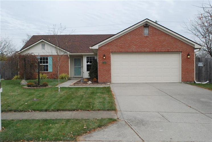 8025 Southern Trails Place Indianapolis, IN 46237 | MLS 21607567 | photo 1