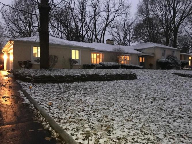 33  Spring Valley Drive Anderson, IN 46011 | MLS 21607669