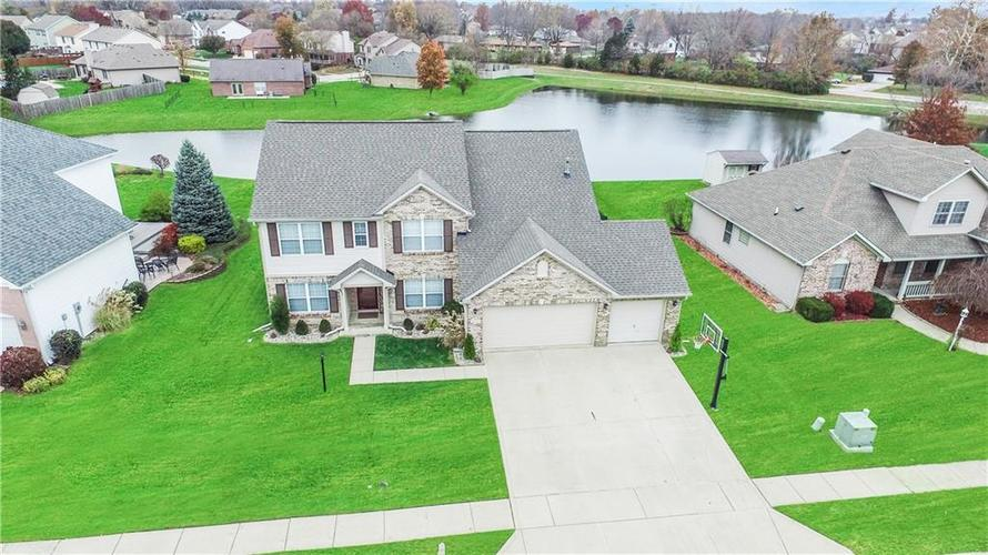 8224  Meadow Bend Drive Indianapolis, IN 46259 | MLS 21607716