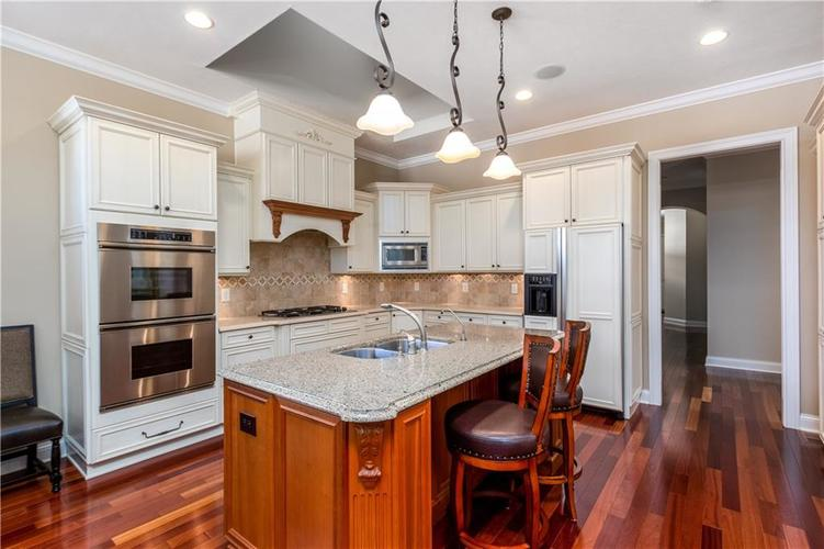 10774 Club Chase Fishers, IN 46037 | MLS 21607903 | photo 5