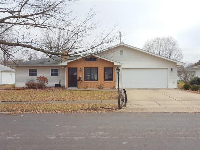 1609  Gibson Drive Lebanon, IN 46052 | MLS 21608434
