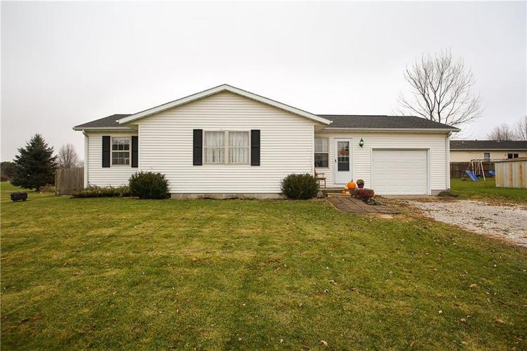 1809 S Chigger Hollow East Drive Crawfordsville, IN 47933 | MLS 21608743