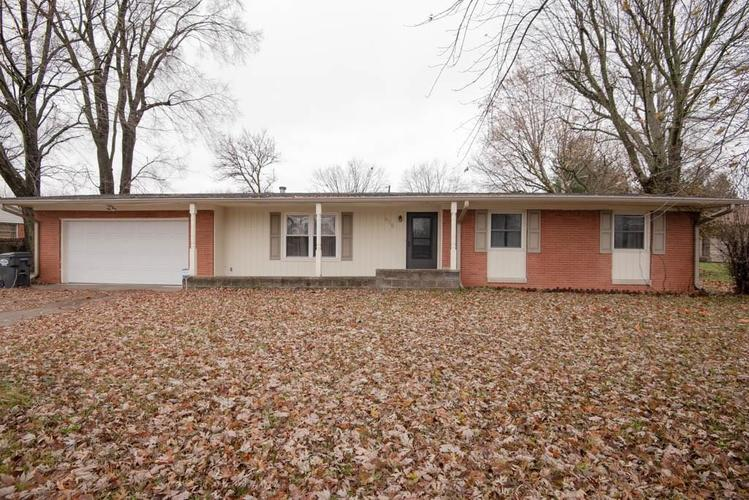 938 W SMITH VALLEY Road Greenwood, IN 46142 | MLS 21609565