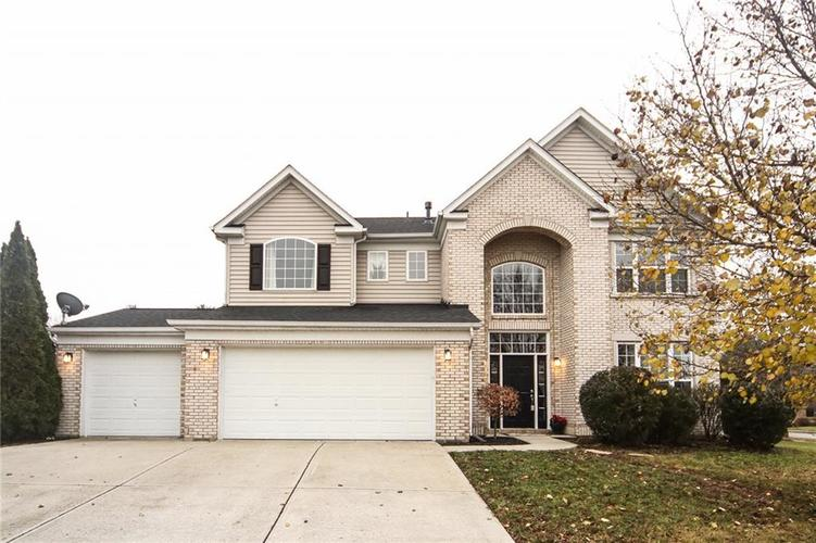 5493  GAINESWAY Drive Greenwood, IN 46142 | MLS 21609777
