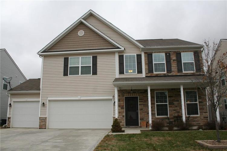 2046 Creek Bank Drive Columbus, IN 47201 | MLS 21609802 | photo 1