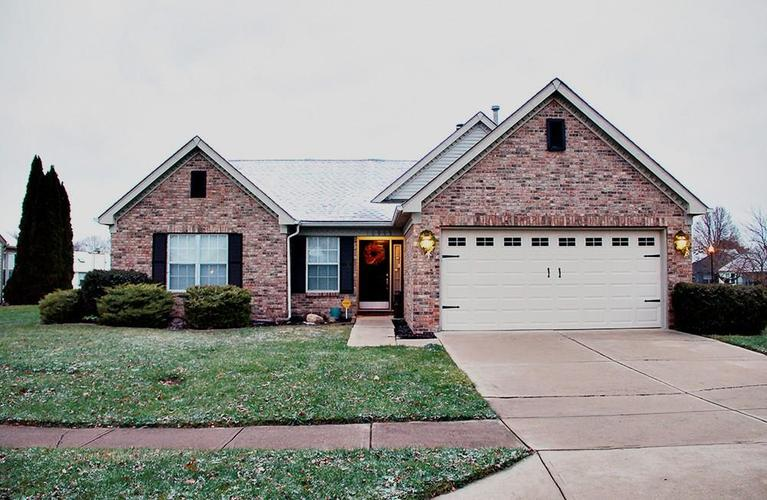 10999  Gate Circle Fishers, IN 46038 | MLS 21609936