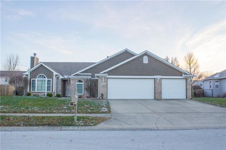 7375  Apple Cross Circle Avon, IN 46123 | MLS 21610148
