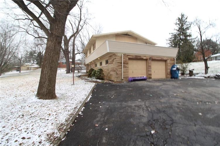 5927 Wycombe Lane Indianapolis, IN 46220 Photo 1