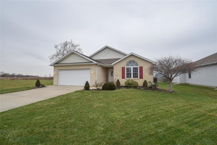 8214 W Ashford Lane Muncie, IN 47304 | MLS 21610359