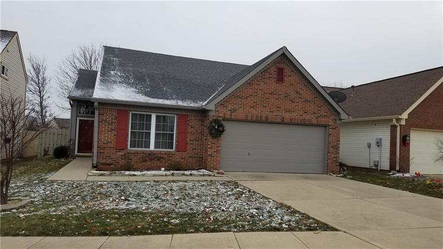1559 N LAKE POINT Lane Greenwood, IN 46142 | MLS 21610458 | photo 1