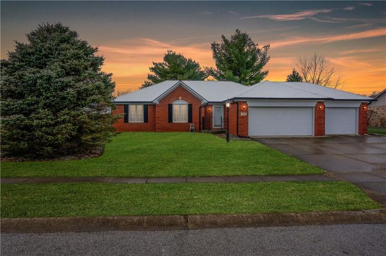 584  Summit Drive Plainfield, IN 46168 | MLS 21610666