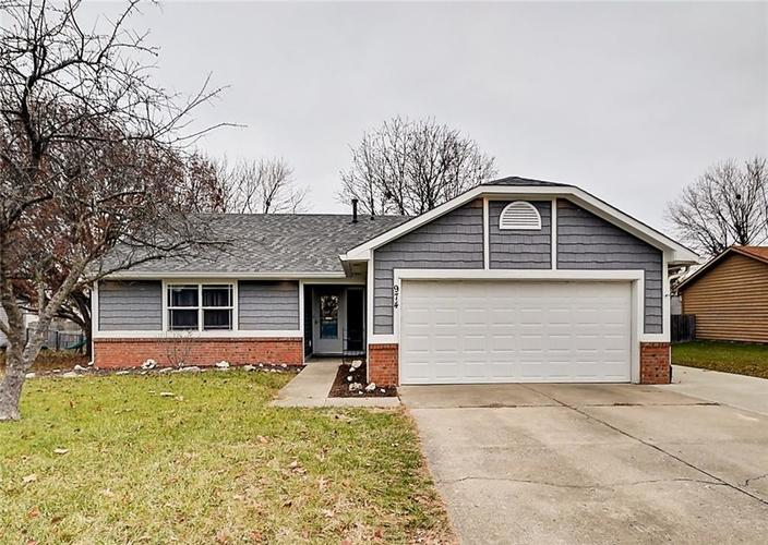974  SPRING MEADOW Drive Greenwood, IN 46143 | MLS 21610687
