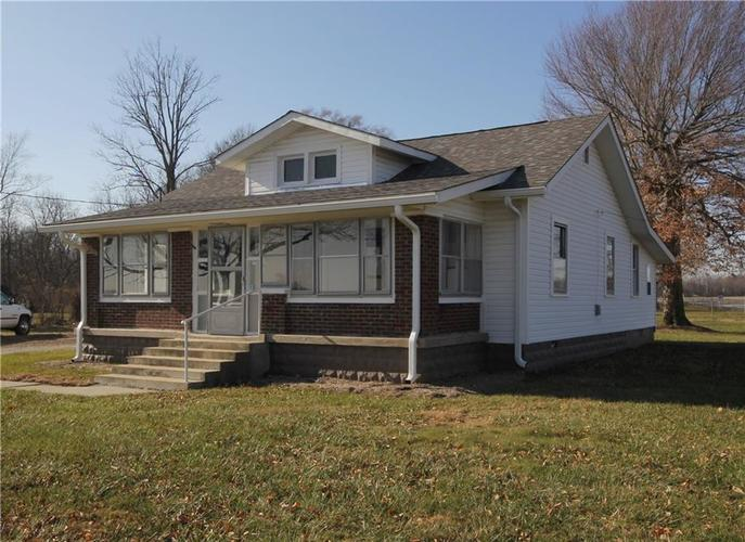 7010 S Mooresville Road Indianapolis, IN 46221 | MLS 21610968