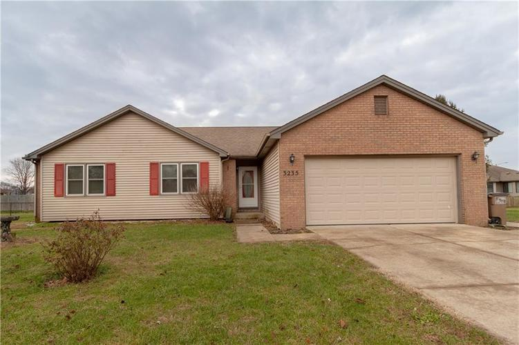 3235  Richland Drive Columbus, IN 47203 | MLS 21610983