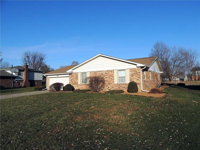 8815  Royal Meadow Drive Indianapolis, IN 46217 | MLS 21611086