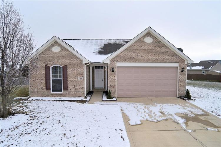 725  Roundabout Circle Pittsboro, IN 46167 | MLS 21611192