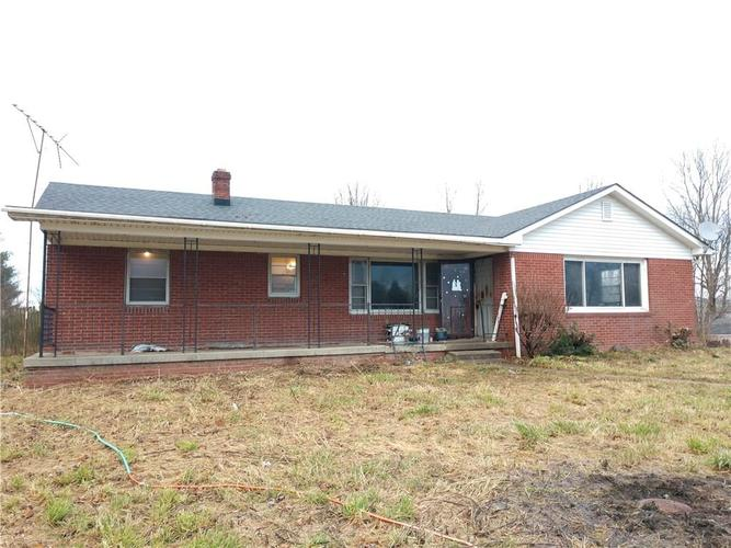 826 E 400 Road S Greenfield, IN 46140 | MLS 21611230 | photo 1