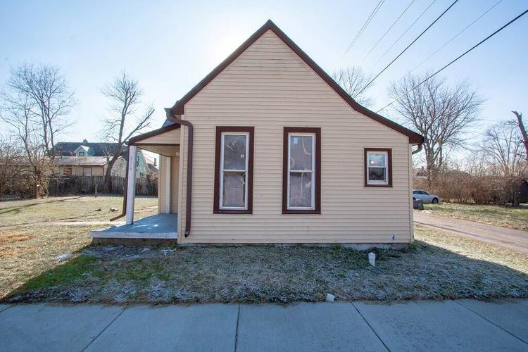 2215 W Walnut Street Indianapolis, IN 46222 | MLS 21611404