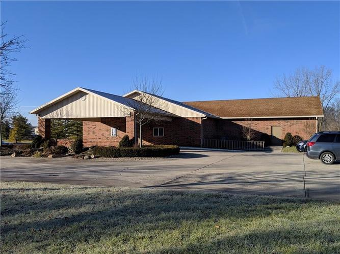 5719 S Madison Avenue Anderson, IN 46013 | MLS 21611505 | photo 1
