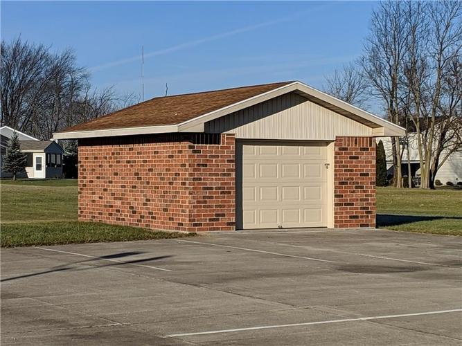 5719 S Madison Avenue Anderson, IN 46013 | MLS 21611505 | photo 10