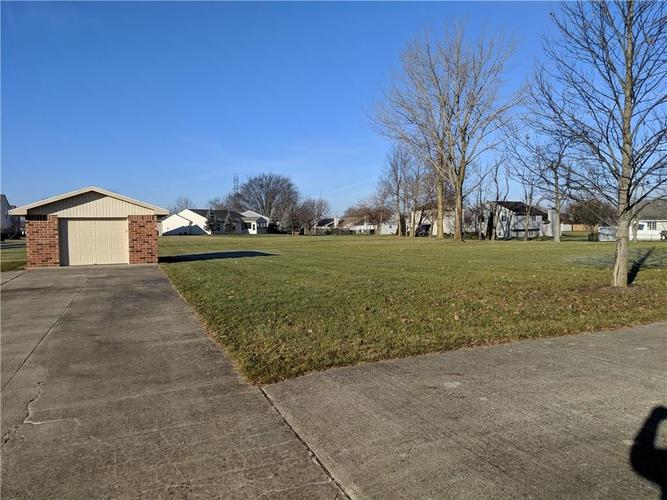 5719 S Madison Avenue Anderson, IN 46013 | MLS 21611505 | photo 11