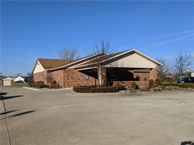 5719 S Madison Avenue Anderson, IN 46013 | MLS 21611505 | photo 2